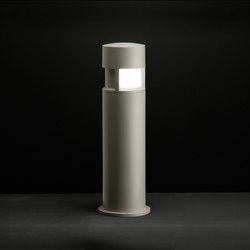 Silvia on post / H. 700 mm - Sandblasted Glass - 120° Emission | Spots | Ares