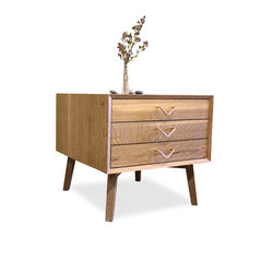 Atlantic Three Drawer Side Table | Nachttische | VOLK