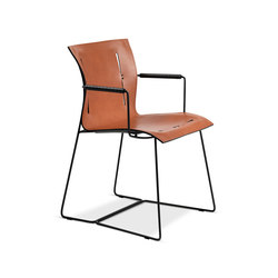 Cuoio chair with armrests | Visitors chairs / Side chairs | Walter K.