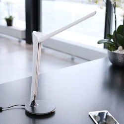 Tulip Desk Lamp | USB power sockets | Götessons