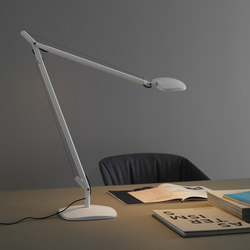 Volée Table lamp | Reading lights | FontanaArte