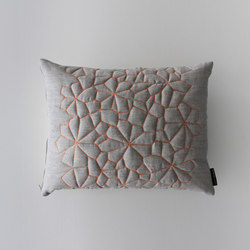 CUSHION DOLORES - 1402 | Cuscini | Création Baumann