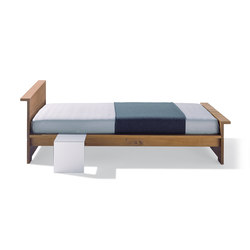 Moonwalker solid wood bed | Letti matrimoniali | Lampert