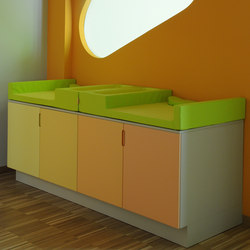 Changing table | Wickeltische | PLAY+