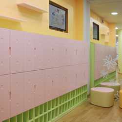 Nursery wardrobe | Perchas infantiles | PLAY+