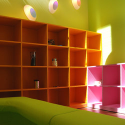 Basic bookshelf color | Office shelving systems | PLAY+