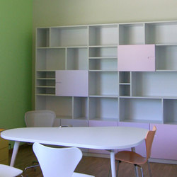 Office basic bookshelf | Büroregalsysteme | PLAY+