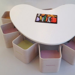 Table heart shape top | Classroom desks | PLAY+