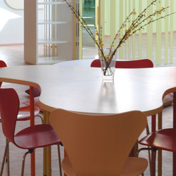 Table clover shape top | Klassenzimmertische | PLAY+