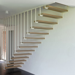 Up suspended staircase L beam in stairwell | Holztreppen | Jo-a