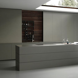 Blade 4 linear arrangement + island in resin | Fitted kitchens | Modulnova
