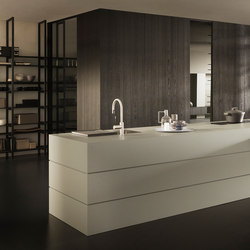 Blade 6 Fenix with extending peninsula top and partition system | Fitted kitchens | Modulnova