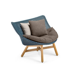 Mbrace Lounge chair | Garden armchairs | DEDON