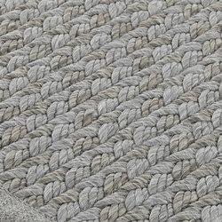 Sonec flint gray | Formatteppiche / Designerteppiche | Miinu