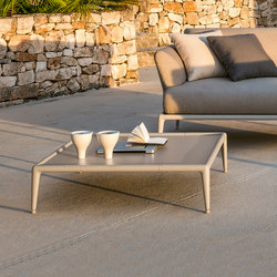 Joint low table | Tables basses de jardin | Fast