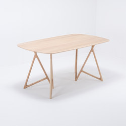 Koza table | 160x90 | oak | Dining tables | Gazzda