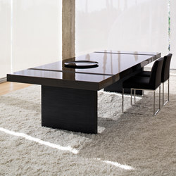 Munich dining table | Esstische | BALTUS