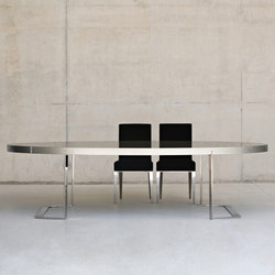 Oval dining table | Esstische | BALTUS