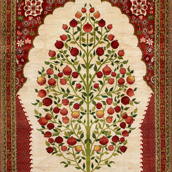 Transitional Formal Pomegranate Tree in Niche | Formatteppiche / Designerteppiche | Zollanvari