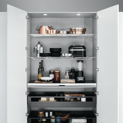 Tall Units | Accessorised pantry unit | Kitchen organization | Arclinea