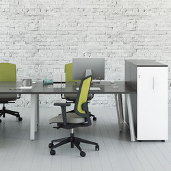 Ogi A | Systèmes de tables de bureau | MDD