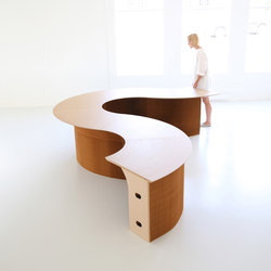 cantilever table · modular wedge top | Banques d'accueil | molo
