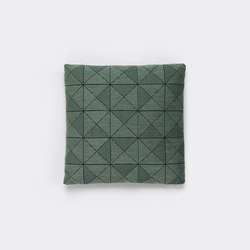 Tile Cushion green | Cuscini | Muuto
