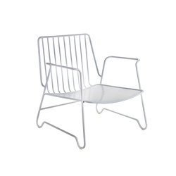 Lounge Armchair white with armrest | Gartensessel | Serax