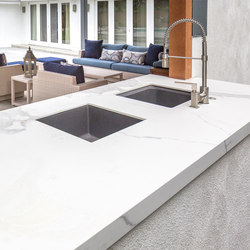 Kitchen | Classtone Estatuario | Slabs | Neolith