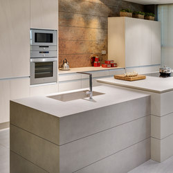 Kitchen | Fusion Pietra di Luna, Arena, Basalt Grey & Iron Blue | Floor tiles | Neolith