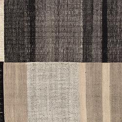 Tres Black | Formatteppiche / Designerteppiche | Nanimarquina