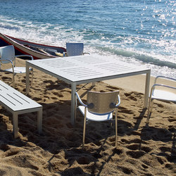 Mar de Aluminio Table | Esstische | Sistema Midi