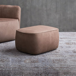 Softwing Pouf | Poufs | Flou