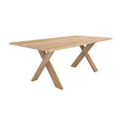 Oak Pettersson dining table | Mesas para restaurantes | Ethnicraft