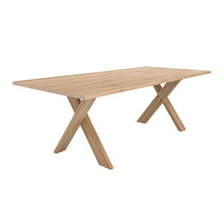 Oak Pettersson dining table | Restaurant tables | Ethnicraft