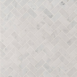 Manhattan Offset Herringbone | Azulejos de pared de piedra natural | Claybrook Interiors Ltd.