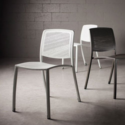 Avivo Chairs | Sillas | Forms+Surfaces®