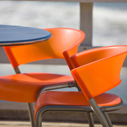 Bantam Chair | Chaises de cantine | Forms+Surfaces®
