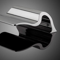 Cast Door Pulls | Haltegriffe / Stützen | Forms+Surfaces®