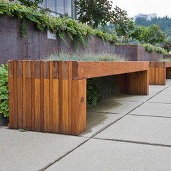 Hudson Bench | Bancos de jardín | Forms+Surfaces®