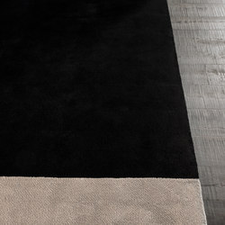 Dibbets Flag | Formatteppiche / Designerteppiche | Minotti