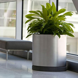 Universal Planter | Macetas plantas / Jardineras | Forms+Surfaces®