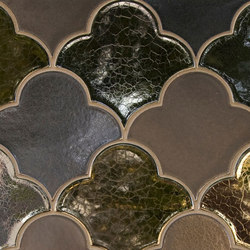 Large Scalloped Fan Glazed Ceramic Tile | Piastrelle/mattonelle da pareti | Pratt & Larson Ceramics