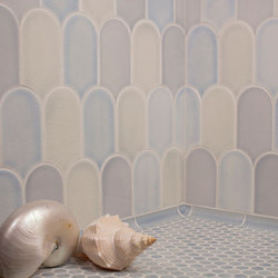New Shapes - Large Elongated Fan | Azulejos de pared | Pratt & Larson Ceramics