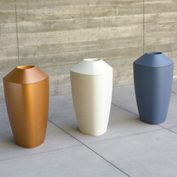 Tria | Flowerpots / Planters | Peter Pepper Products