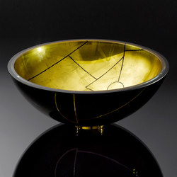 Freestanding Basin in Black with Graphique Gilded Finish in Rose Gold | Wash basins | Vitraform