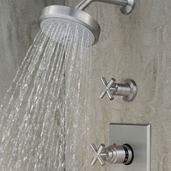 East Square Shower System | Grifería para duchas | Newport Brass