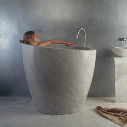 Eau Soaking Tub, Carrara Marble | Vasche ad isola | Stone Forest