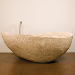 Papillon Bathtub, Ramon Gray Limestone | Free-standing baths | Stone Forest