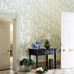 Romey's Garden | Wall coverings / wallpapers | Zoffany